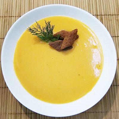 Суп-пюре из чечевицы на курином бульоне - рецепт с фото