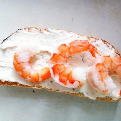 Фото рецепта - Бутерброд «Утренний» с яйцом - шаг 3