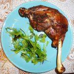 Ароматная куриная голень в духовке