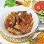 Овощное рагу со свининой в горшочках