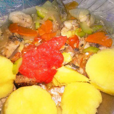 Минтай, тушеный с кабачками и картофелем - рецепт с фото