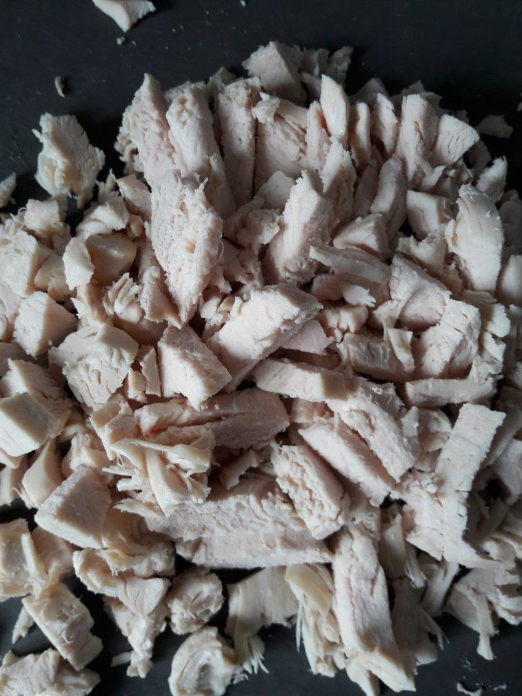 Фото рецепта - Легкий куриный супчик с овощами и макаронами - шаг 6