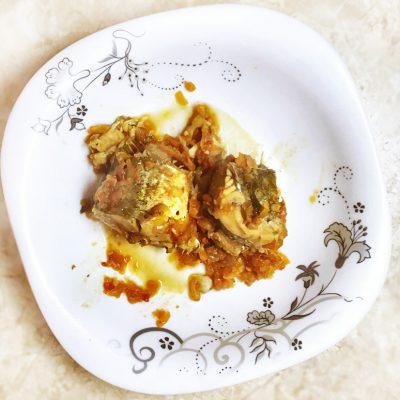Минтай тушенный в томатном соусе - рецепт с фото