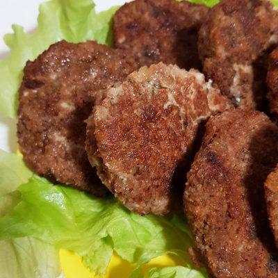 Куриные котлеты с грибами - рецепт с фото