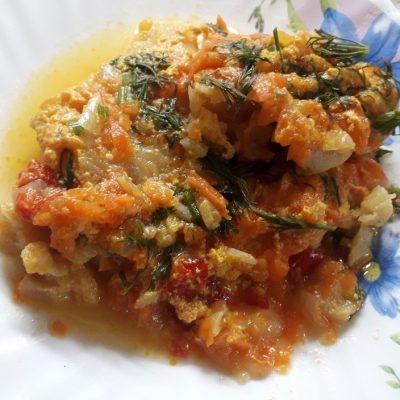 Филе минтая, тушеного с овощами в сметане - рецепт с фото