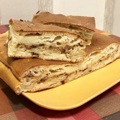 Наливной пирог с капустой (на кефире) - рецепт с фото