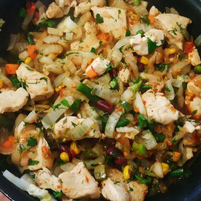 Быстрое рагу с овощами и курочкой - рецепт с фото