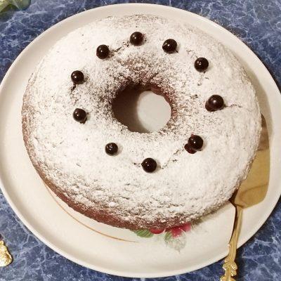 Легкий пирог на кефире «Смородинка» - рецепт с фото