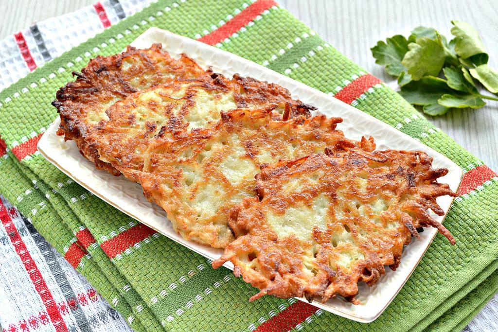 Фото рецепта - Картофельные оладьи с копченым сыром - шаг 6