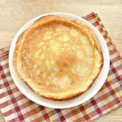 Фото рецепта - Блины с дырочками на молоке - шаг 6