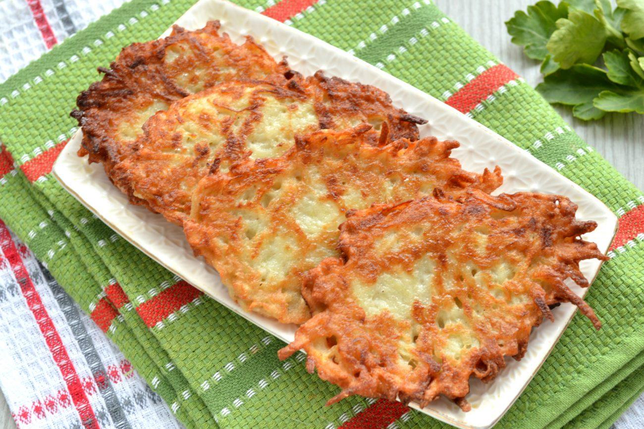Картофельные оладьи с копченым сыром