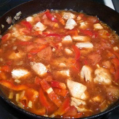 Фото рецепта - Куриный паприкаш - шаг 7