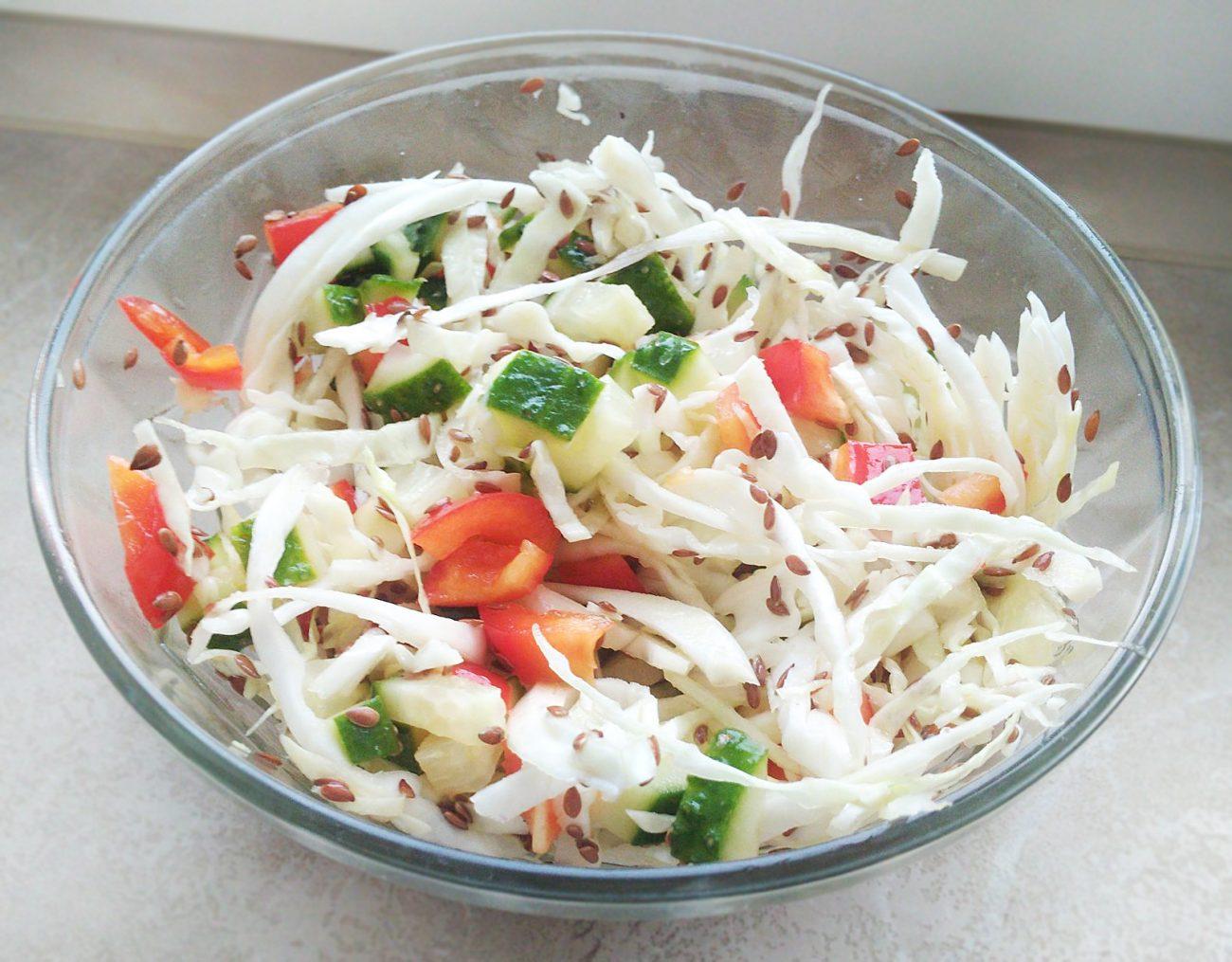 Витаминный капустный салат без соли