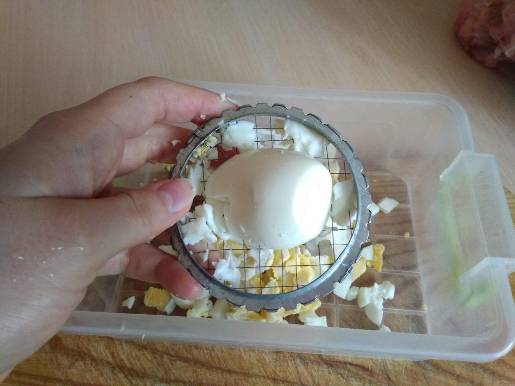 Фото рецепта - Сырно-яичные шарики с чесноком - шаг 3