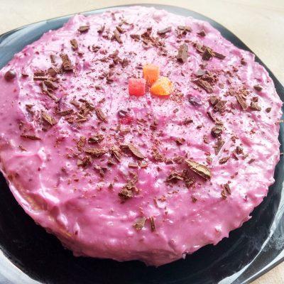 Недорогой заварной крем с ягодами - рецепт с фото