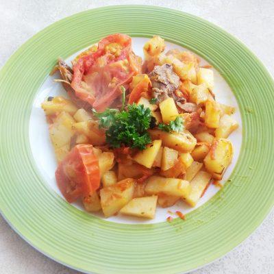 Быстрое картофельное рагу с мясом курицы на сковороде - рецепт с фото