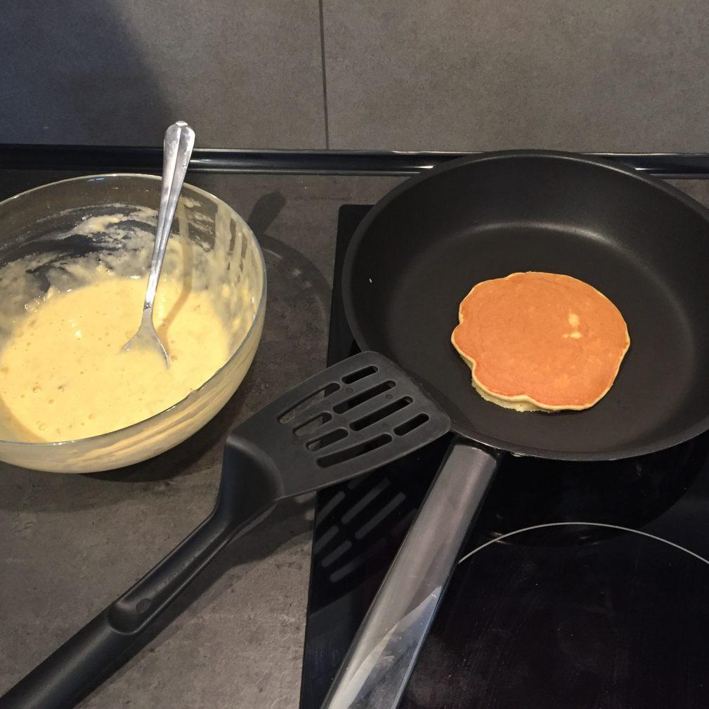 Фото рецепта - Банановые Панкейки - шаг 4