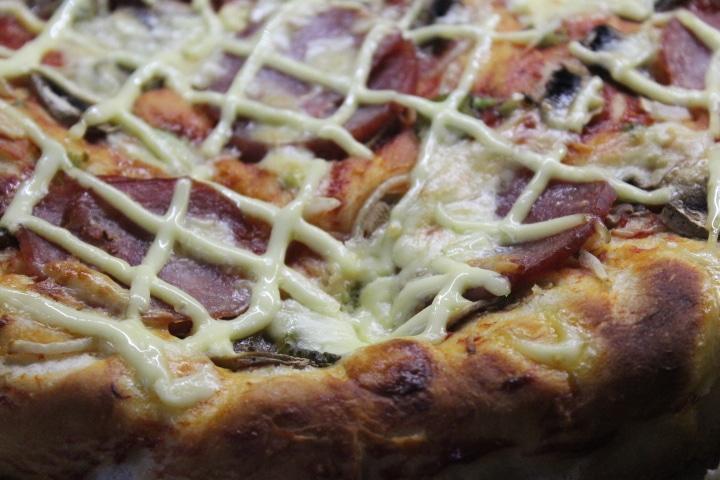 Фото рецепта - Пицца на дрожжевом тесте - шаг 10