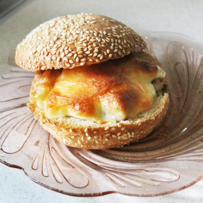 Жульен в булочках к завтраку (грибы-курица-сыр) - рецепт с фото