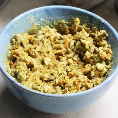 Печеночный салат с овощами и яйцами - рецепт с фото