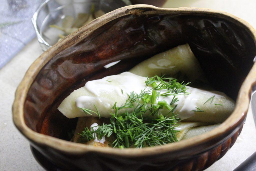 Фото рецепта - Запеченные блины с грибами и луком - шаг 7