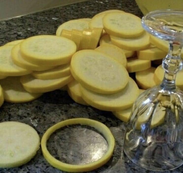 Фото рецепта - Кабачки запеченные в духовке с фаршем - шаг 1