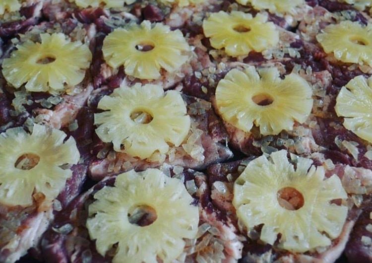 Фото рецепта - Сочные свиные отбивные с ананасами по-гавайски - шаг 2
