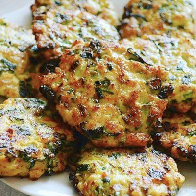 Куриные котлетки с зеленым луком - рецепт с фото