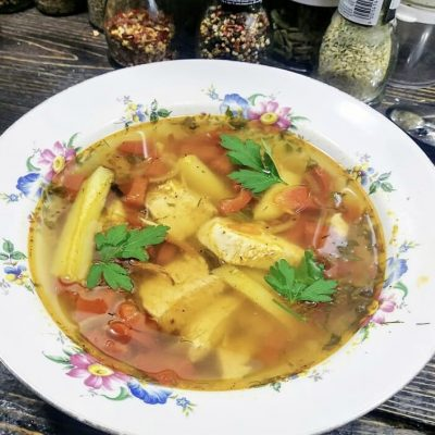 Куриный суп со сладким перцем, картофелем и томатами - рецепт с фото