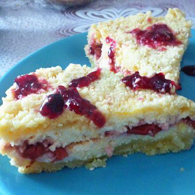 Королевская ватрушка с вишневой начинкой - рецепт с фото