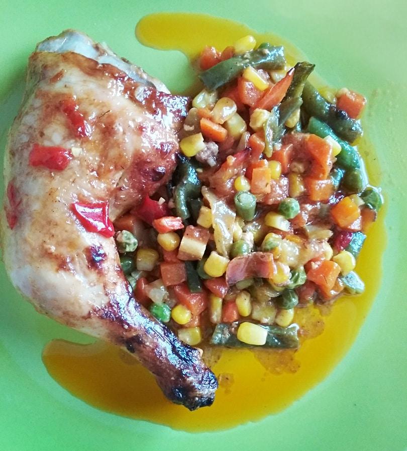 Мексиканская смесь с курицей, запеченная в духовке