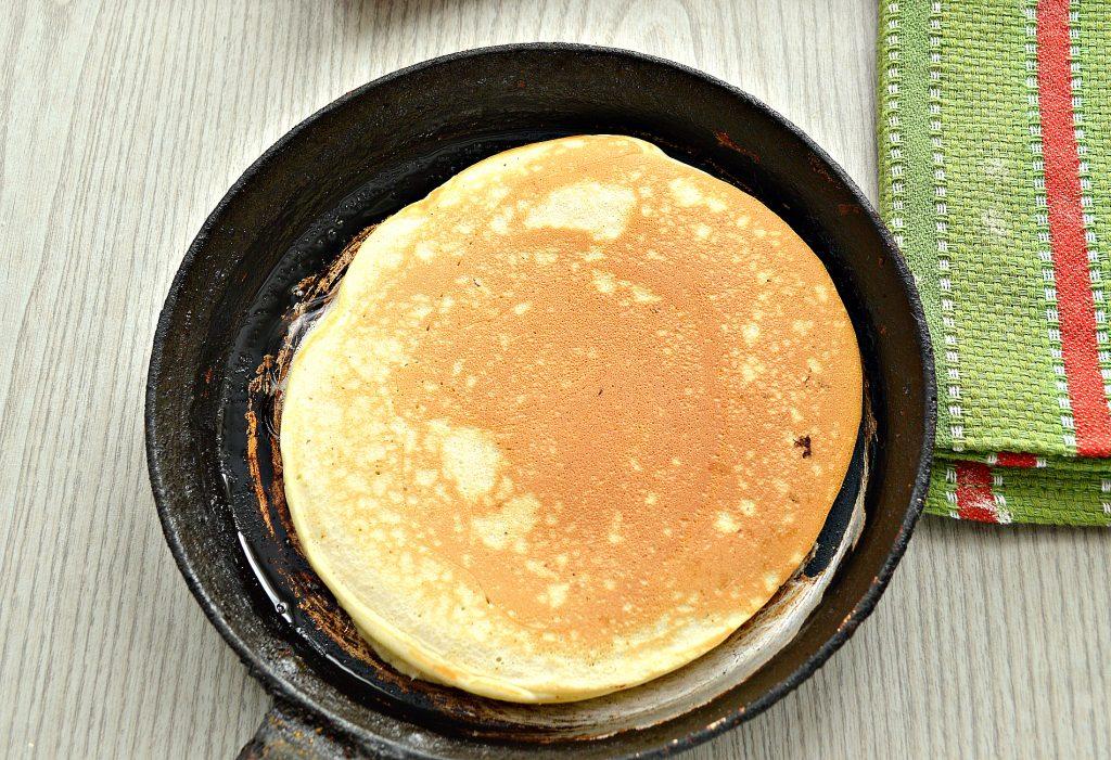Фото рецепта - Толстые блины на молоке - шаг 5