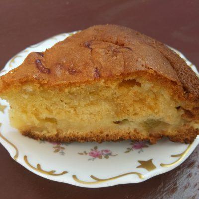 Пирог с крыжовником на йогурте - рецепт с фото