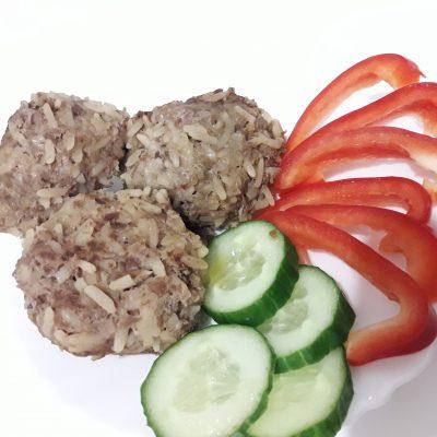 Ёжики с рисом из говядины - рецепт с фото