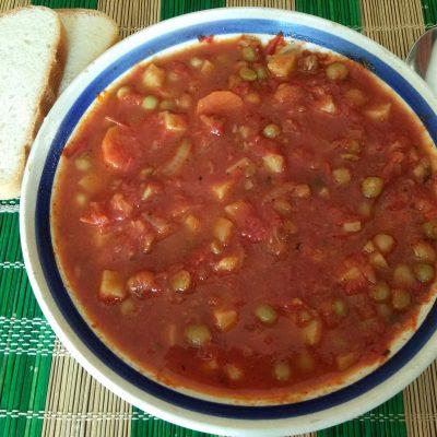 Томатный суп с консервированным горошком - рецепт с фото