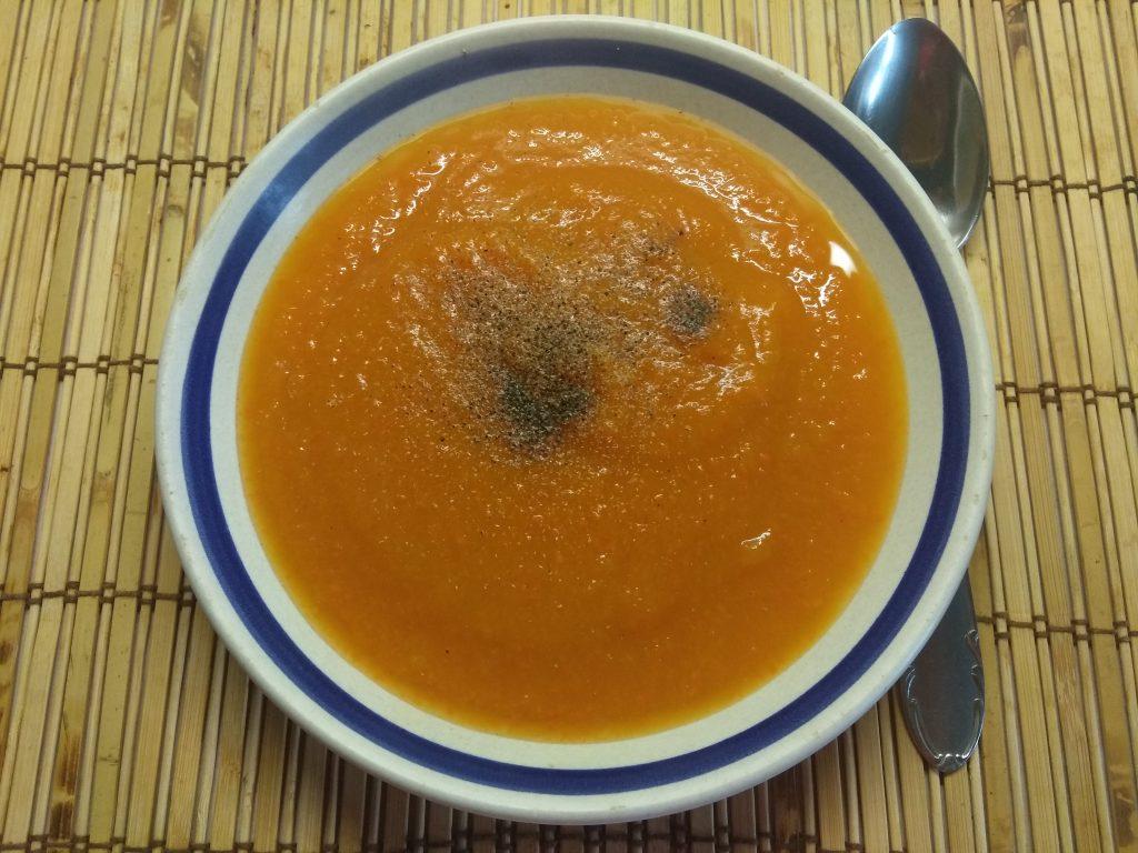 Фото рецепта - Суп-пюре из тыквы и моркови - шаг 4