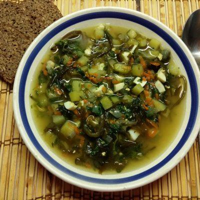 Зеленый борщ с крапивой и морской капустой - рецепт с фото