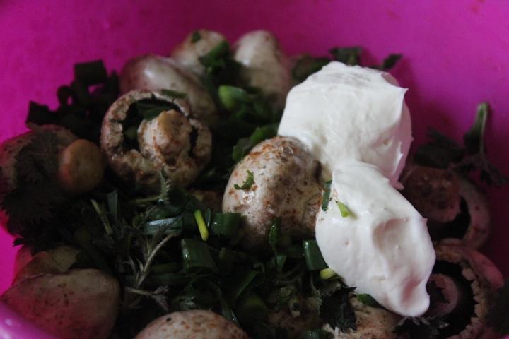 Фото рецепта - Запеченные шампиньоны с зеленью - шаг 5