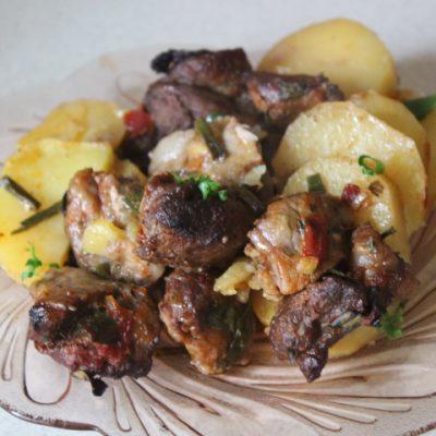 Жаркое из картофеля и свинины в томатном соусе - рецепт с фото