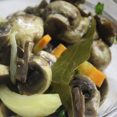 Маринованные грибы по-итальянски - рецепт с фото